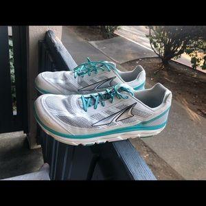Altra Zero Drop Foot Shape Women's Sz 12 US White